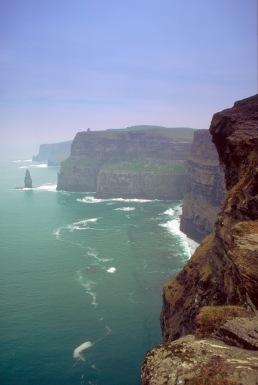 Cliffs Of Moher (Irlanda)sursa aici